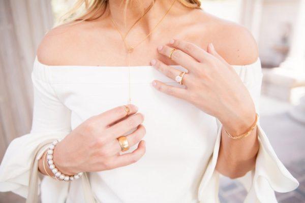 Κομψά και διακριτικά κοσμήματα: Γιατί να τα επιλέξεις;