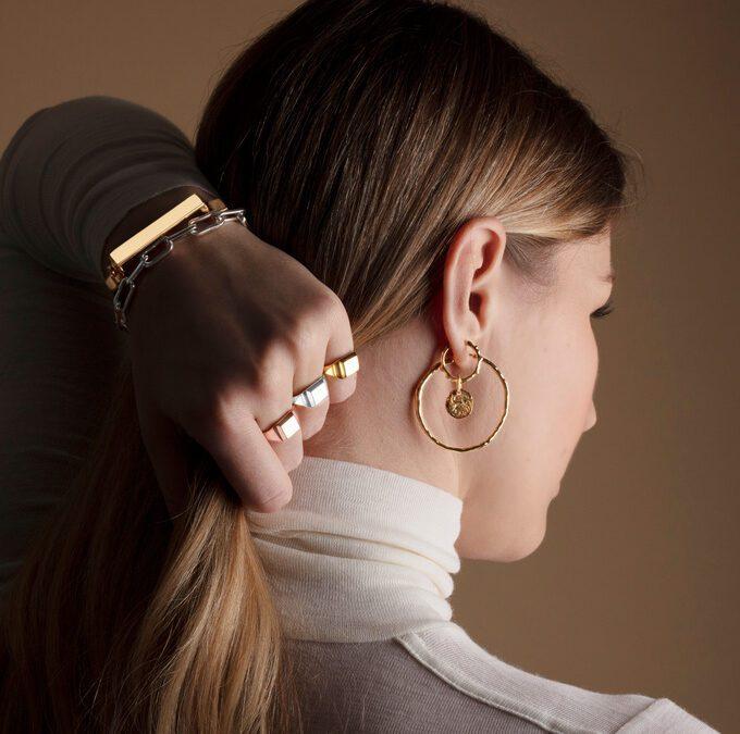 Γιατί δεν μπορούμε χωρίς τα χρυσά σκουλαρίκια κρίκους