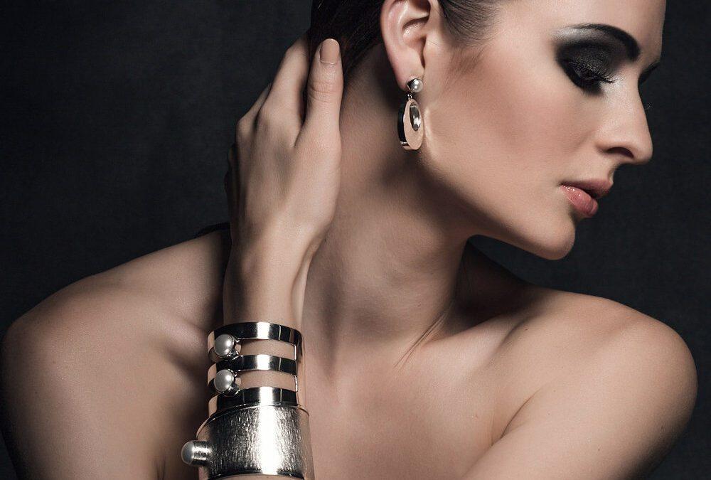 Ασημένια κοσμήματα η νέα τάση για το καλοκαίρι